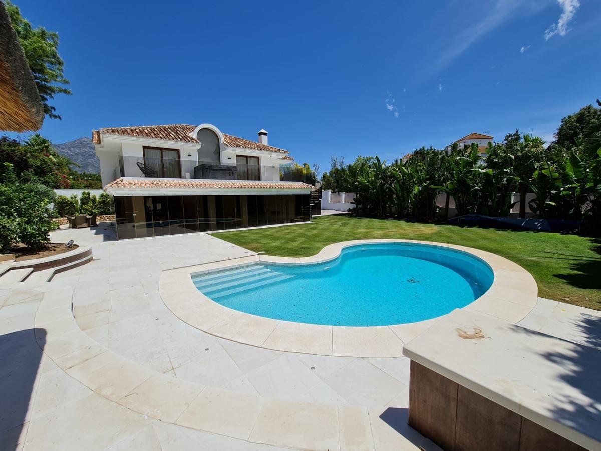Villa  Independiente en alquiler  en Marbella