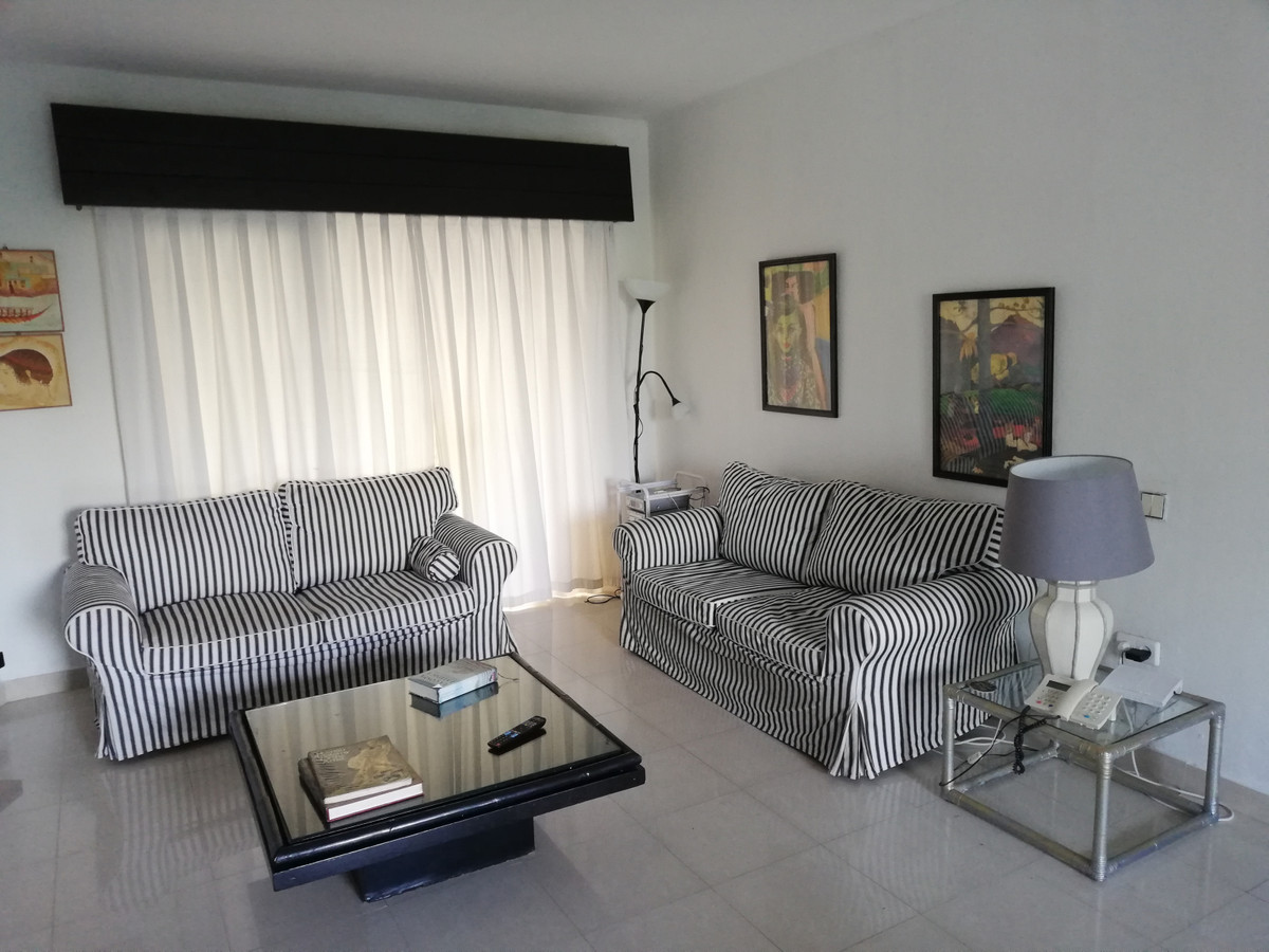 Apartment  Penthouse for rent  in Puerto Banús