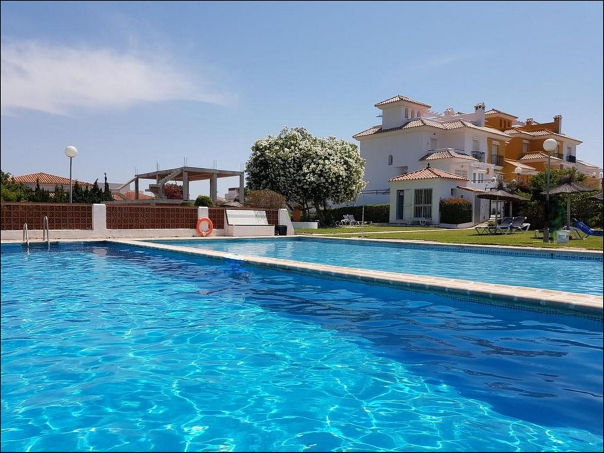 JUST REDUCED BY 10,000€ FOR A QUICK SALE This LOVELY 3 LEVEL TOWNHOUSE in the popular PRINCESA KRIST,Spain