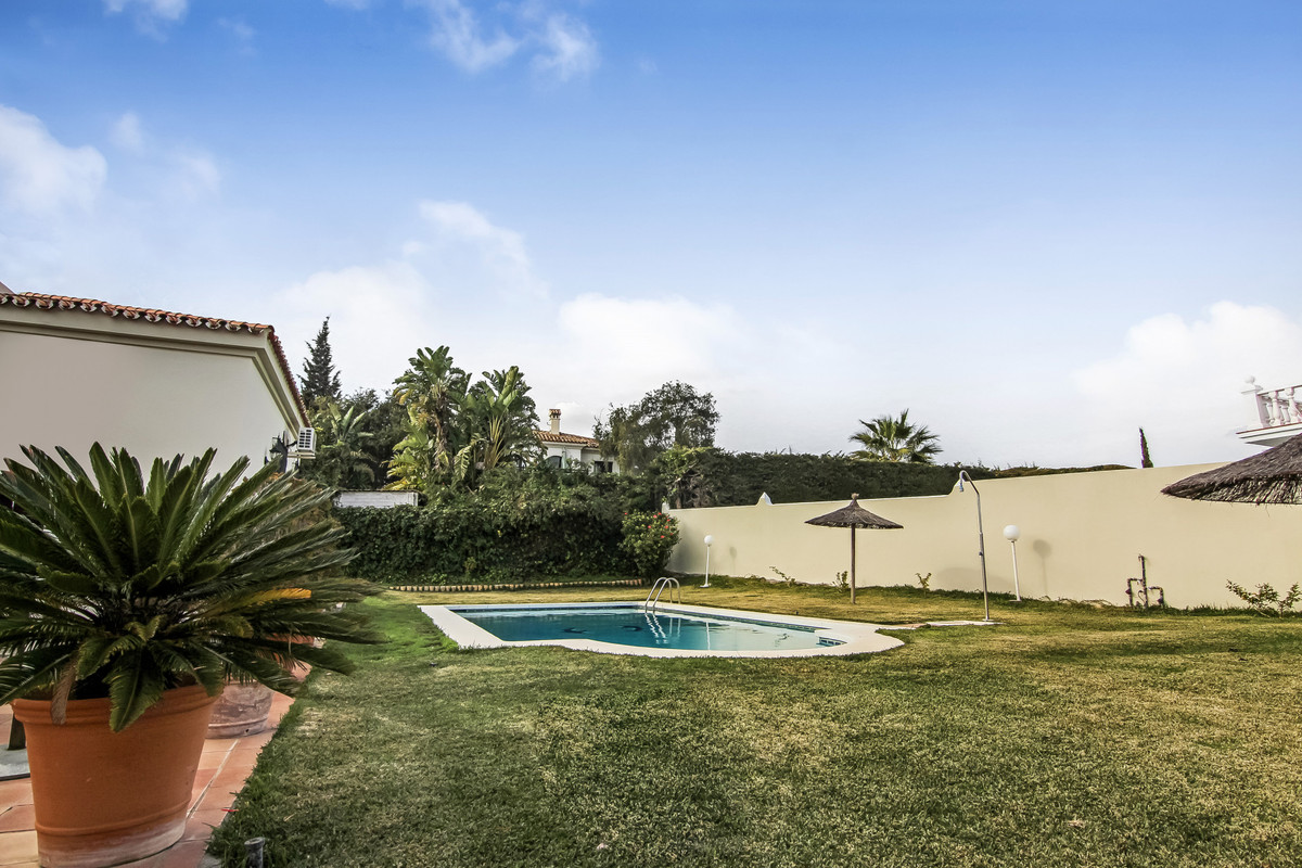 Large villa located in the center of Pueblo Nuevo close to all amenities on foot, not far from the q,Spain