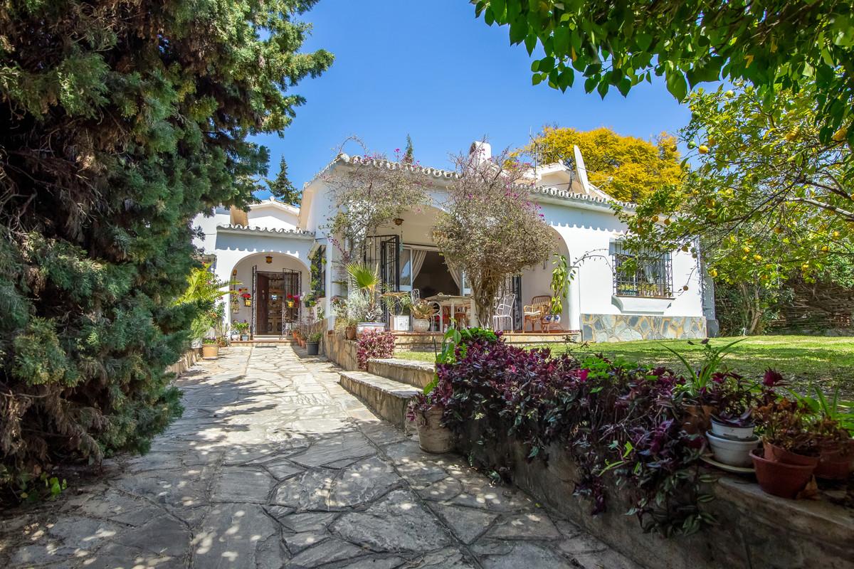 House in San Pedro de Alcántara R3386572 2