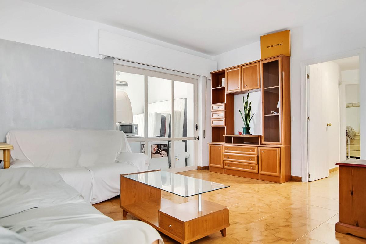 4 bedroom apartment for sale puerto banus