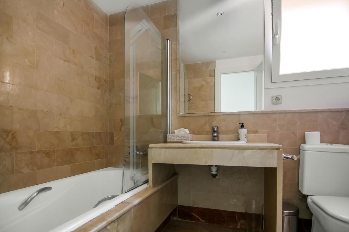 Apartment Penthouse The Golden Mile Málaga Costa del Sol R3383983 6