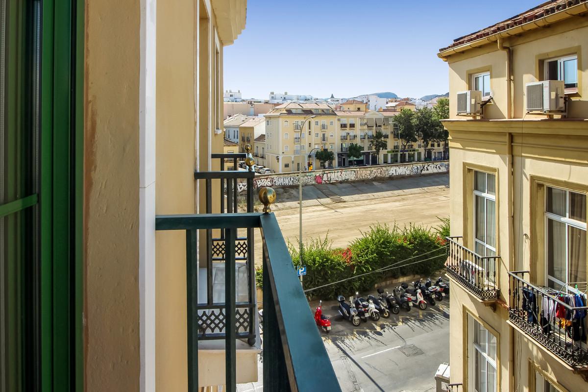 Middle Floor Apartment for sale in Málaga R3470737