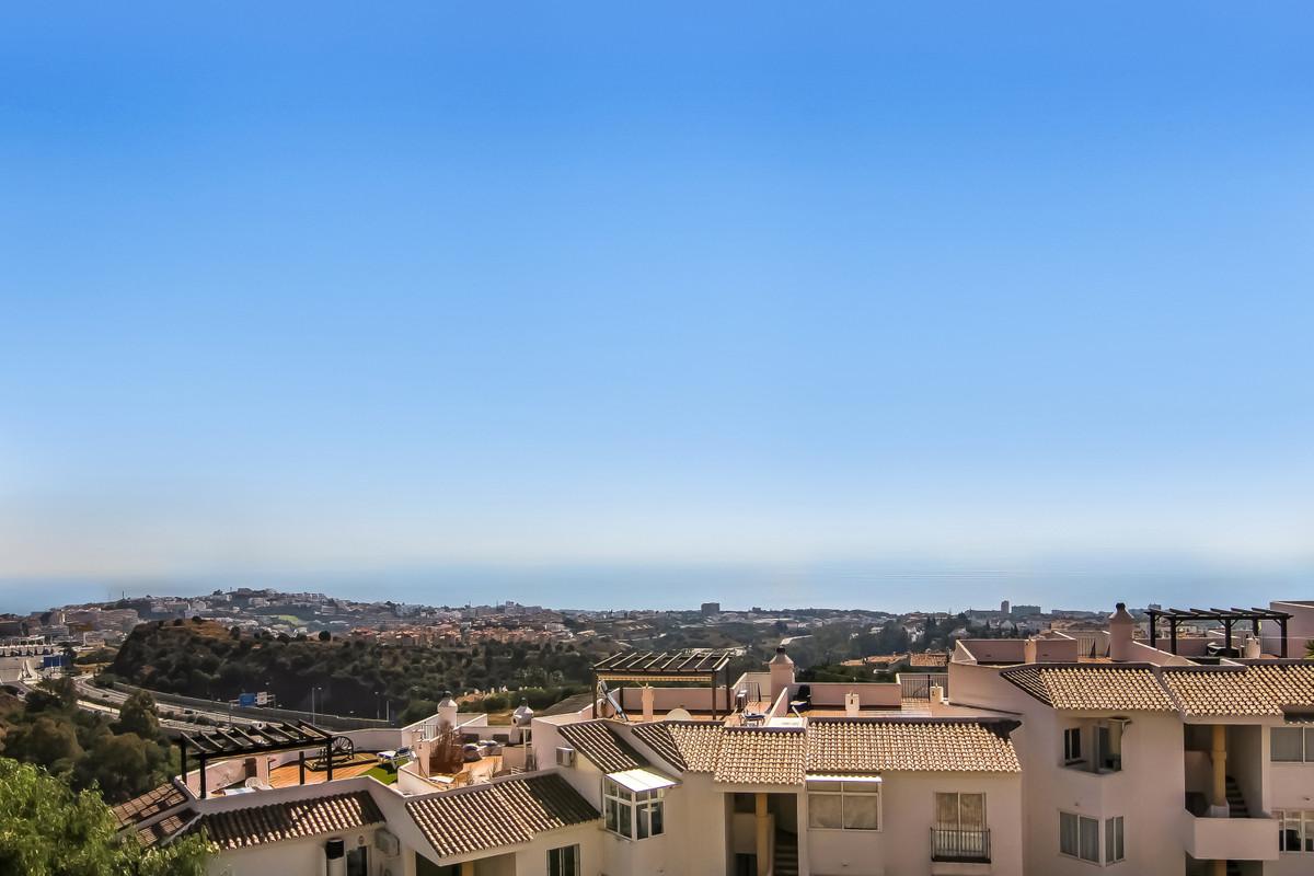 Beautiful large 3 bedroom 3 bathroom apartment, based in upper Calahonda. Panoramic sensational sea ,Spain