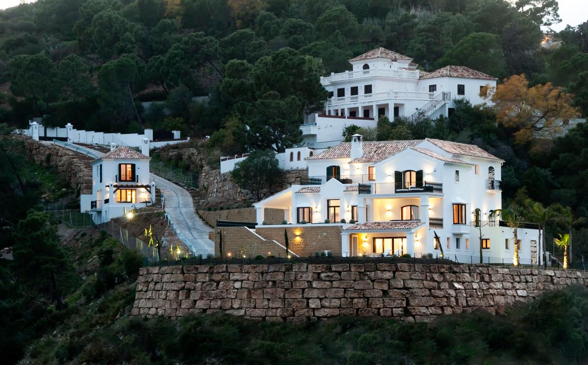 Villa Til salg i El Madroñal R3782227