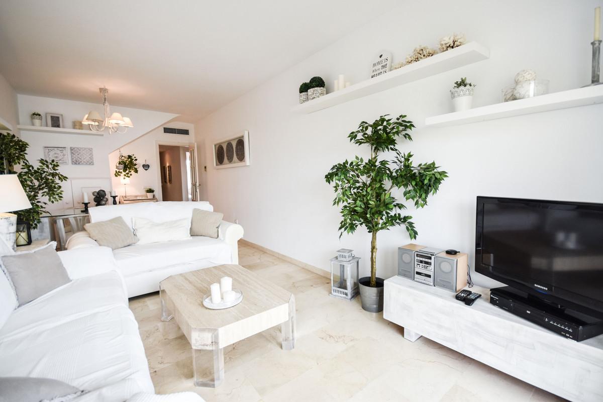 Penthouse - Costabella