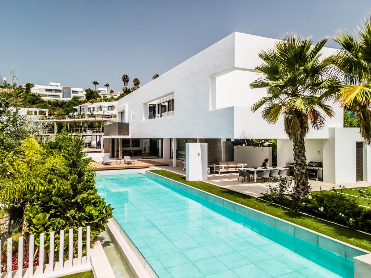 Detached Villa for sale in Benahavís R3931810