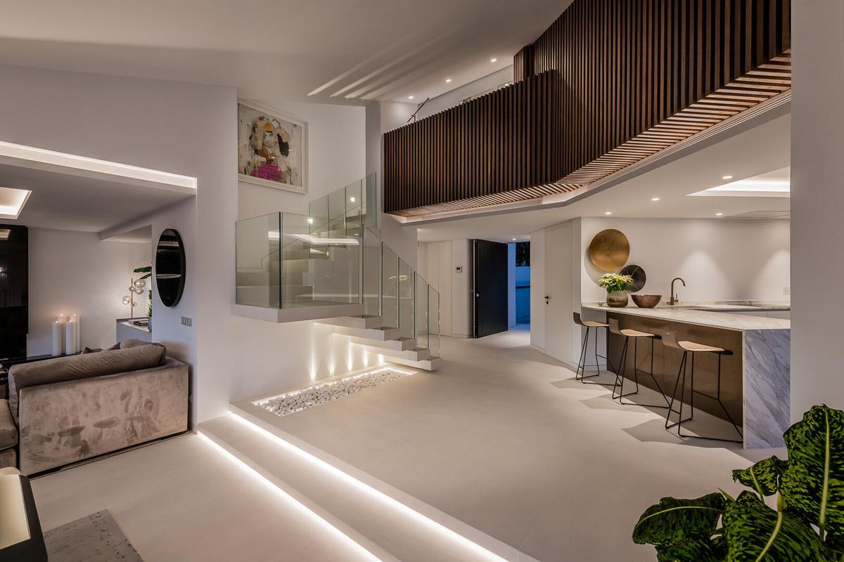 House in Aloha R3672284 17