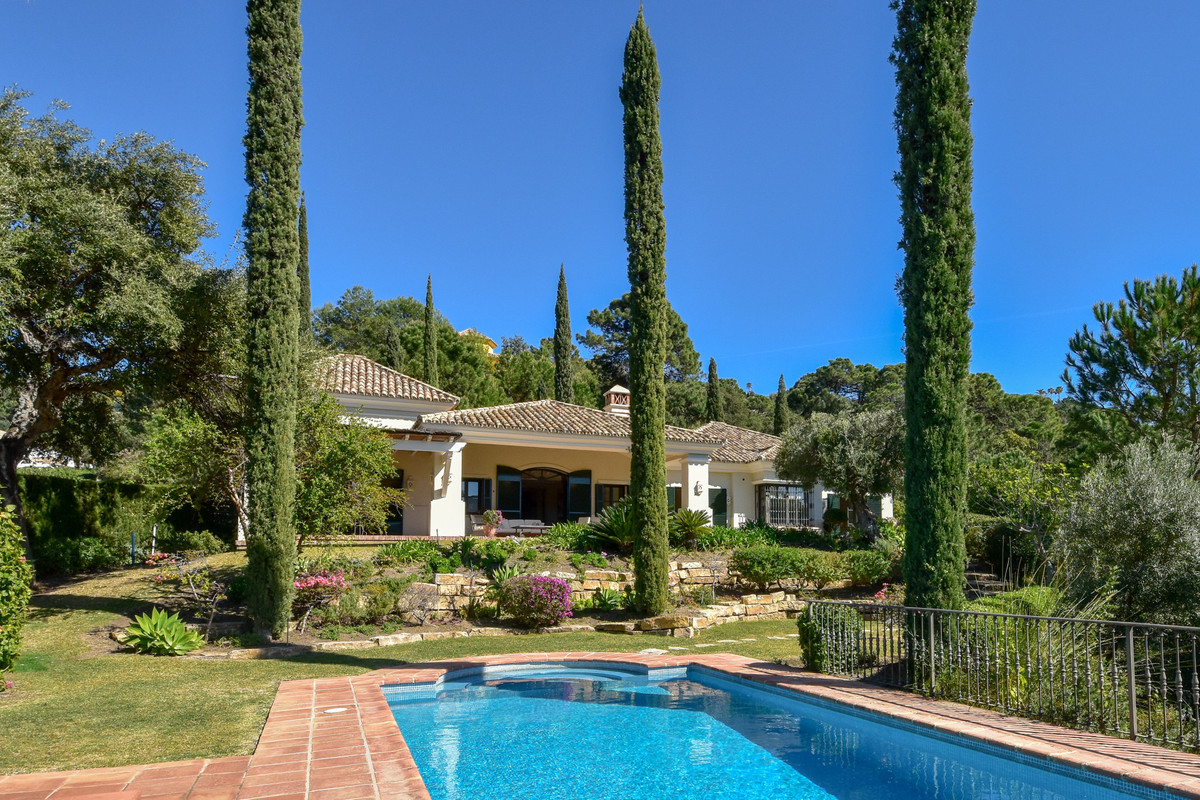 3 Bedrooms Villa For Sale - La Zagaleta
