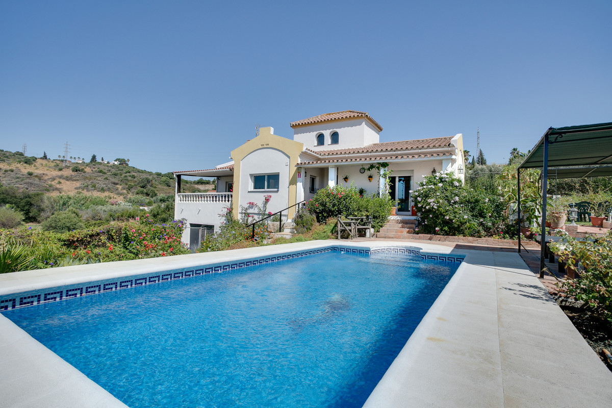 3 bedrooms Villa in Estepona