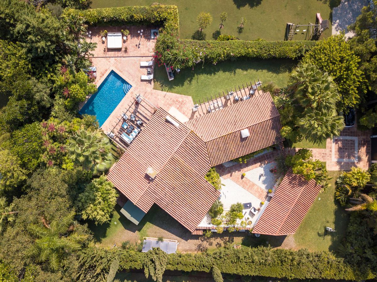 House in Atalaya R3888694 2