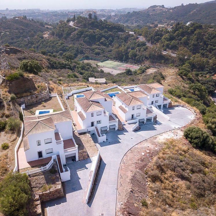 Villa For sale In Estepona - Space Marbella