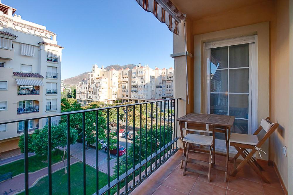 RENTAL ONLY TILL JUNE 2020  ALQUILER SOLO HASTA JUNIO 2020   Middle Floor Apartment, Estepona, Costa,Spain