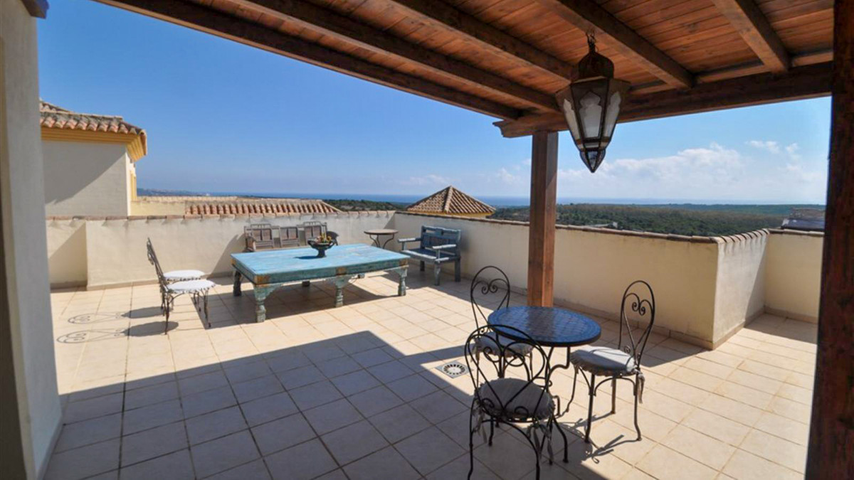 Beautiful 4 bed duplex penthouse completely renovated by the current owners and offering panoramic v,Spain