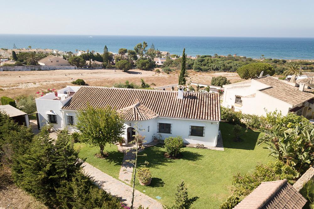 Detached Villa for sale in El Rosario