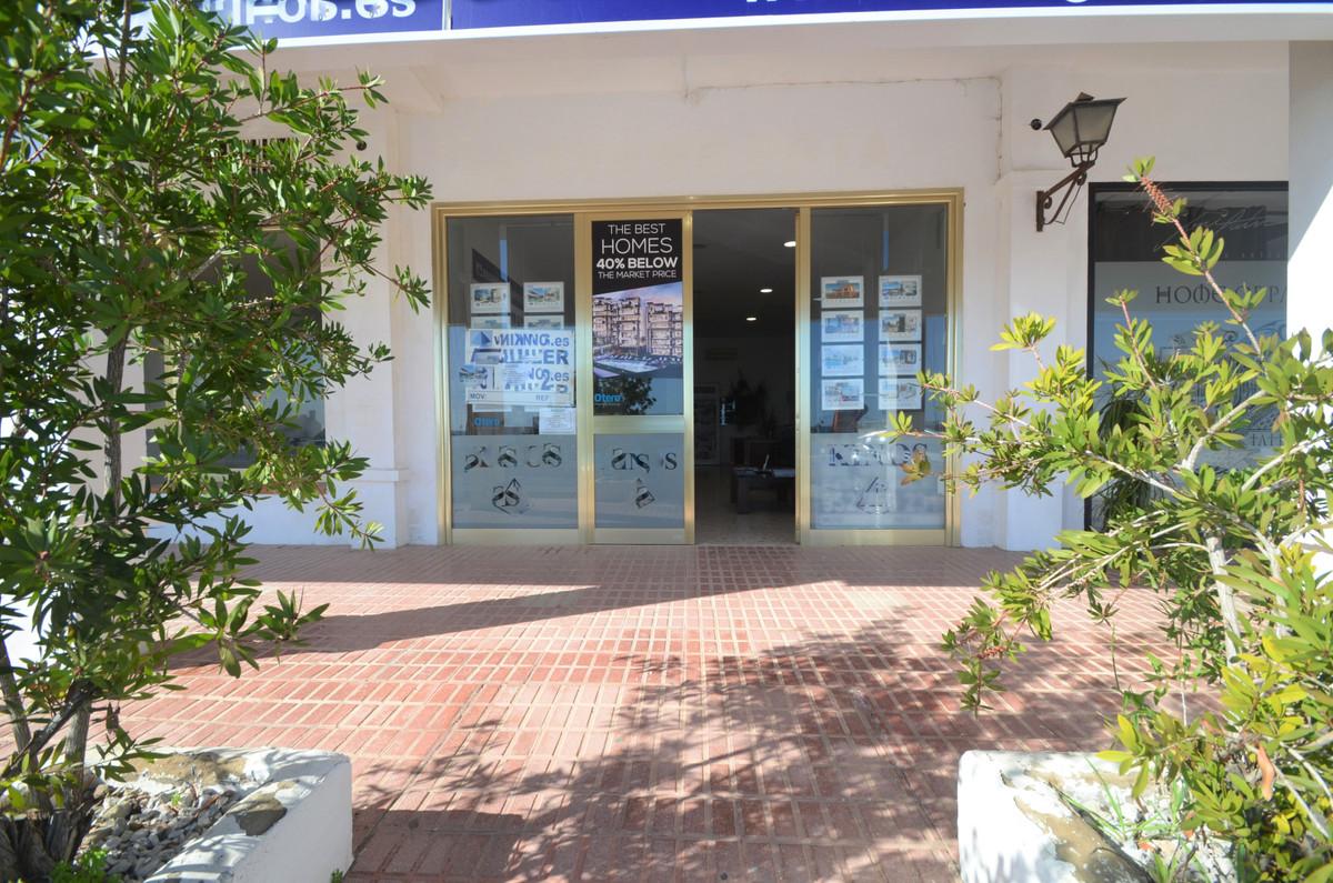 Commerce, Bureau  en vente    à Estepona