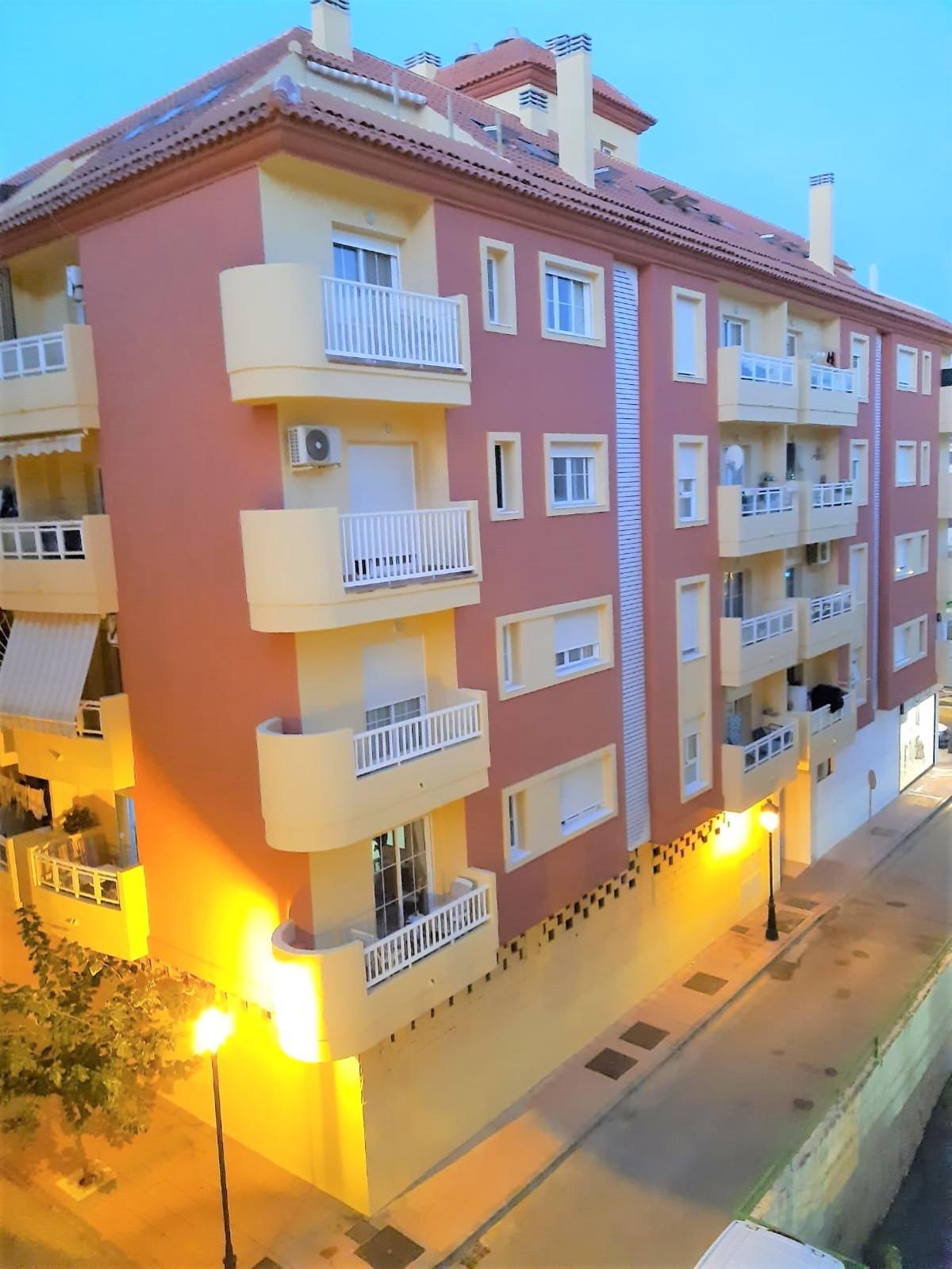 Apartamento, Planta Media  en venta    en Manilva