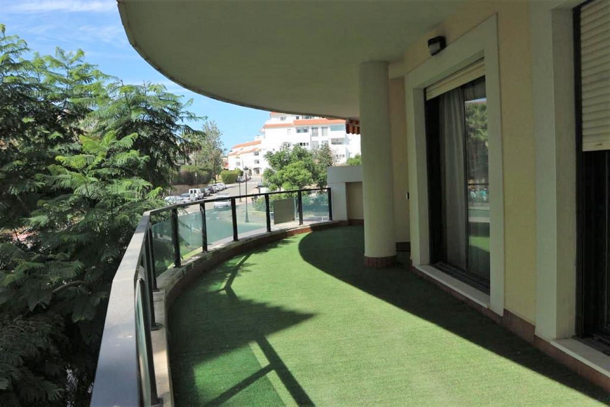 Apartamento  Planta Media en venta   en San Luis de Sabinillas