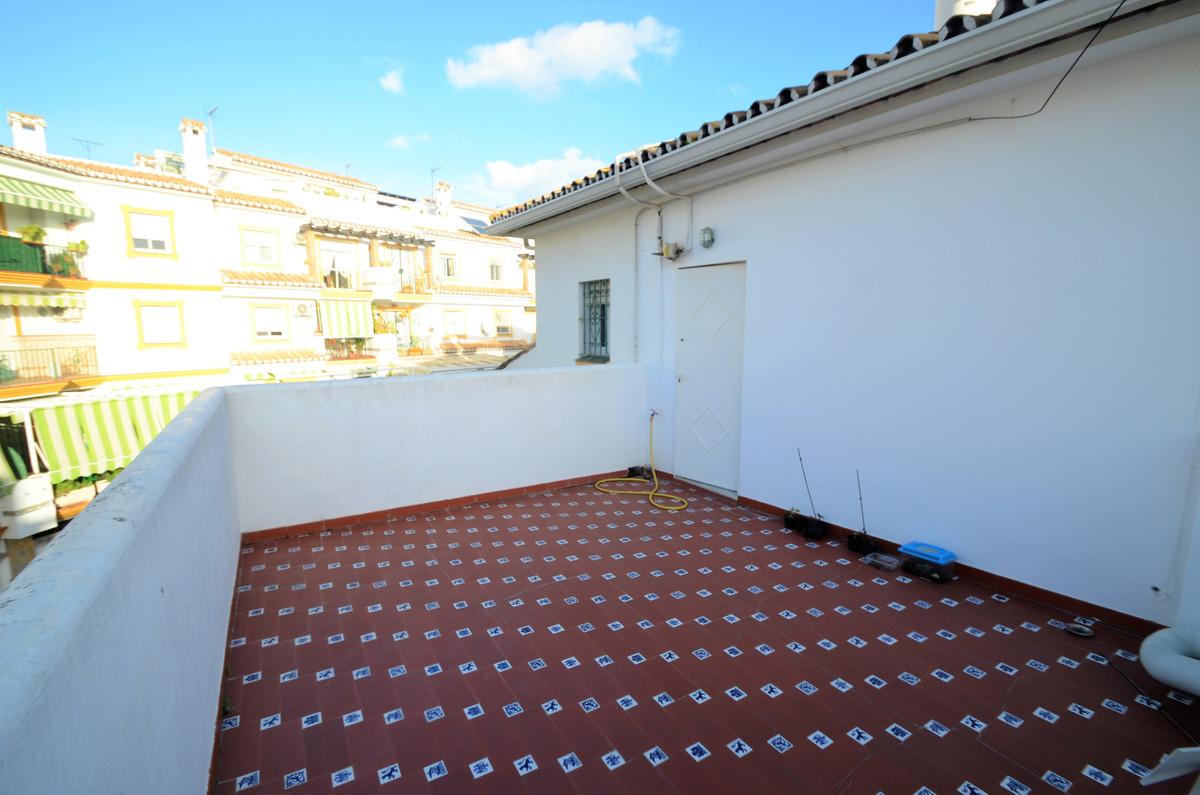 Villa Semi Detached Estepona Málaga Costa del Sol R3793540 4