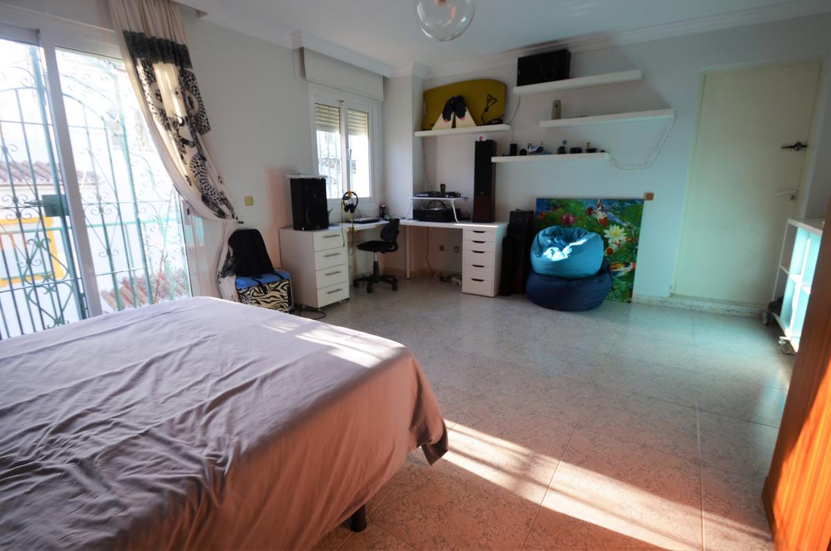 Villa Semi Detached Estepona Málaga Costa del Sol R3793540 8