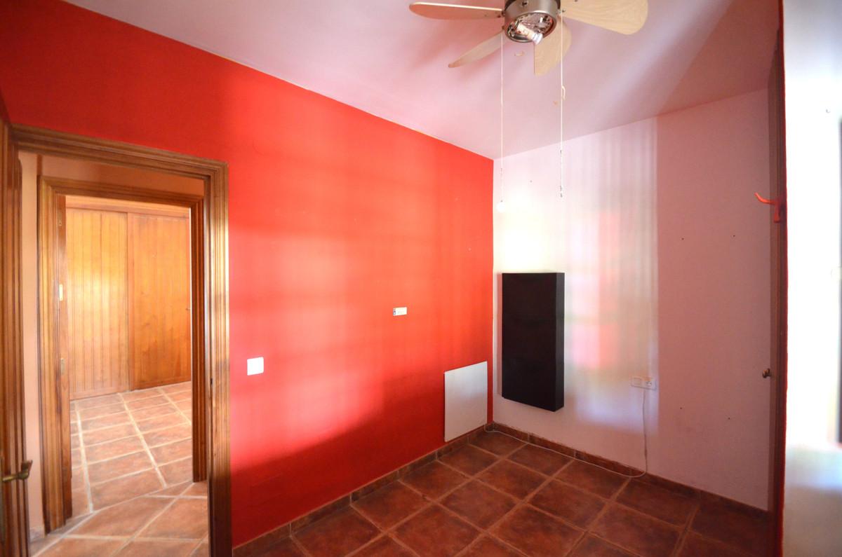 Villa te koop in Estepona R3629645