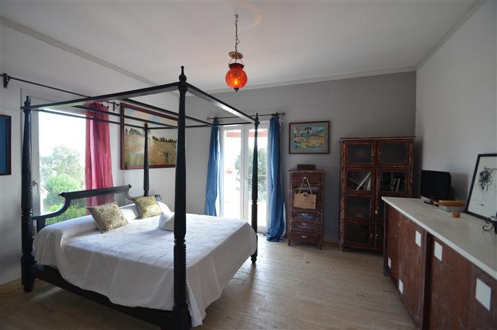 Villa Detached in La Duquesa, Costa del Sol