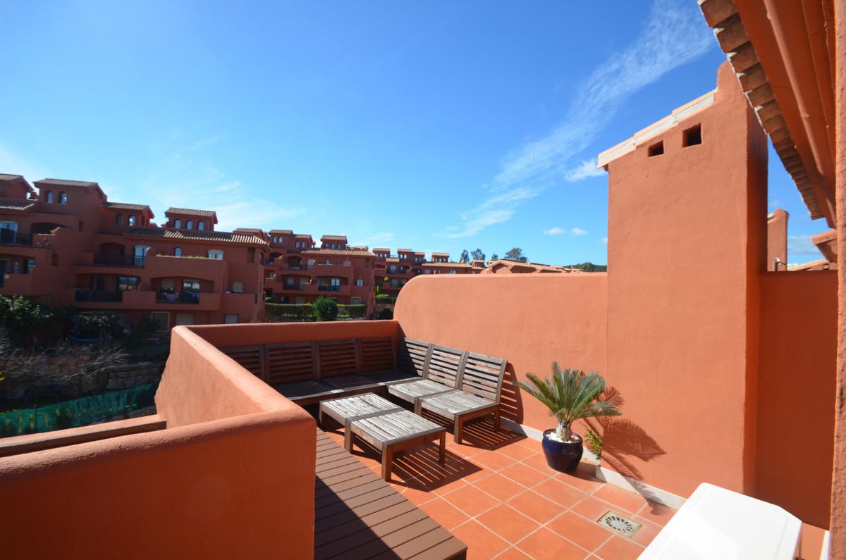 Penthouse Til salg i Estepona R3800923