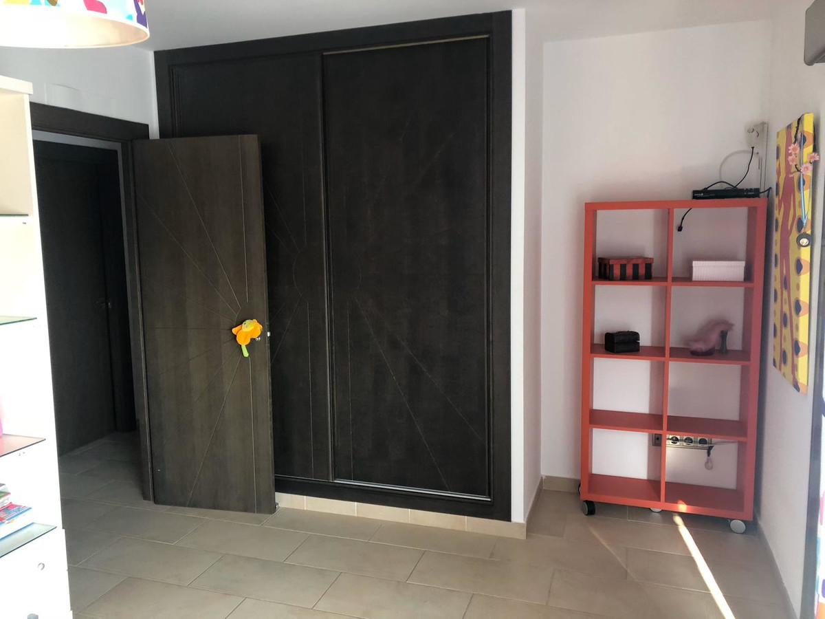House in Algeciras R3640169 18