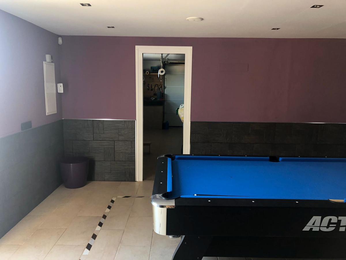 House in Algeciras R3640169 26