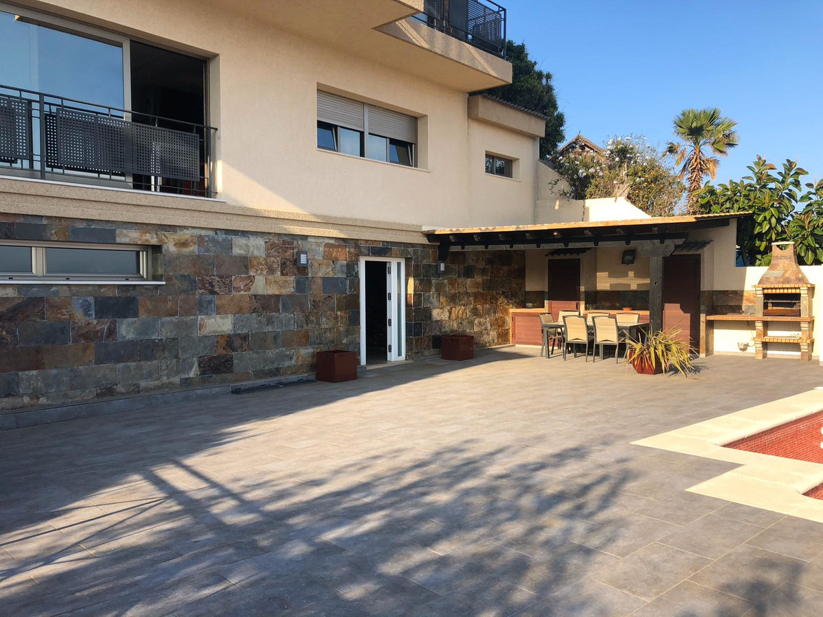House in Algeciras R3640169 3