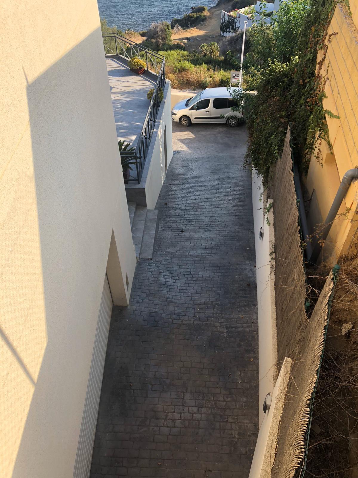 House in Algeciras R3640169 31