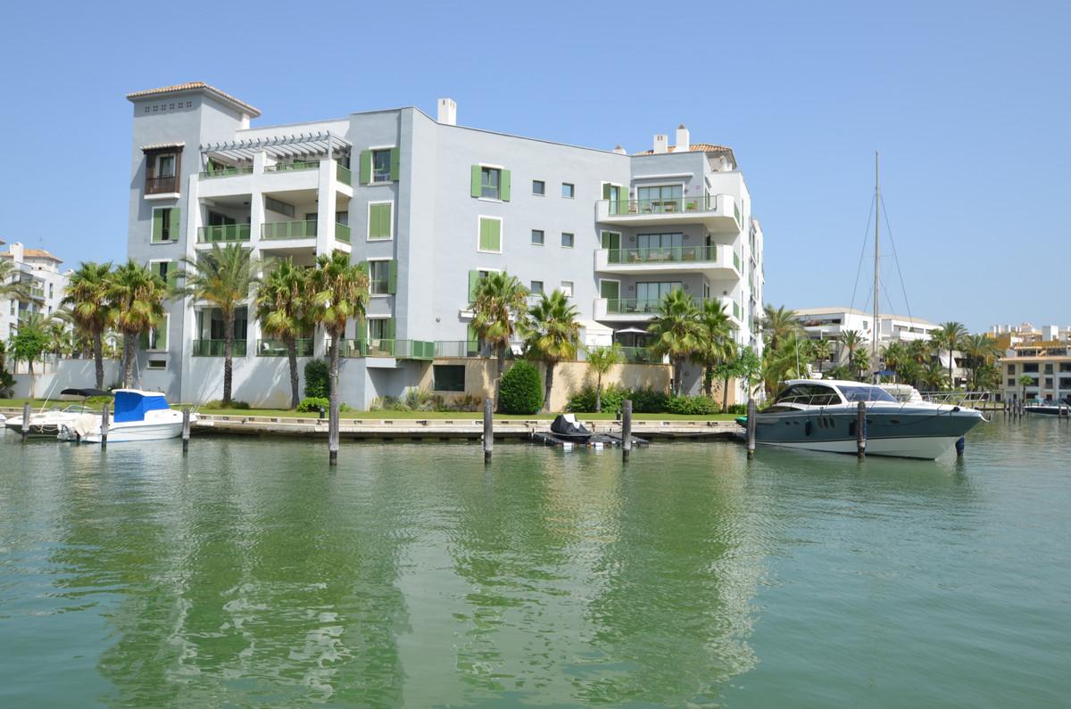 Apartment for Sale in Sotogrande Puerto, Costa del Sol