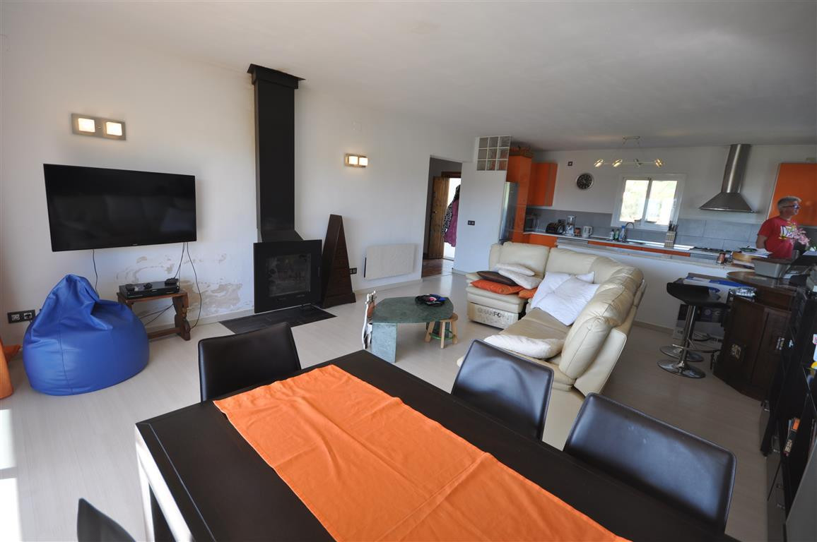 3 Bedroom Villa for sale Estepona