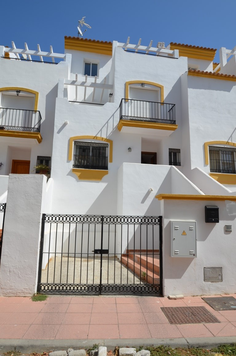 3 Bedroom Townhouse For Sale Manilva, Costa del Sol - HP3250735