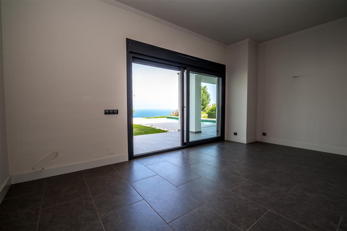 5 Dormitorio Villa en venta Manilva
