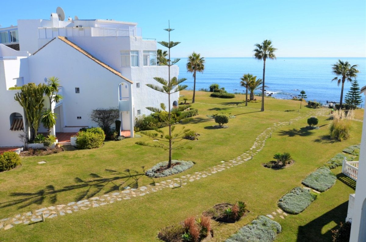 Ref:R3350479 Penthouse For Sale in Casares Playa