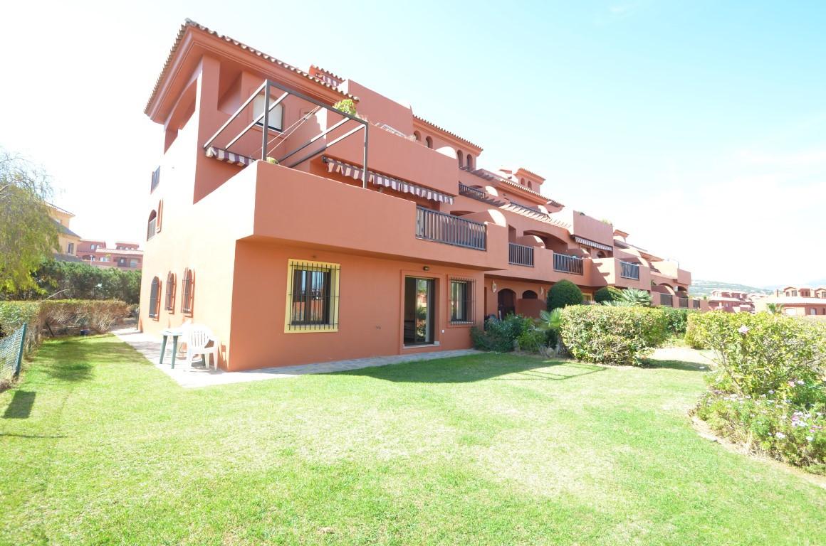 Ground Floor Apartment for sale in Estepona R3117058