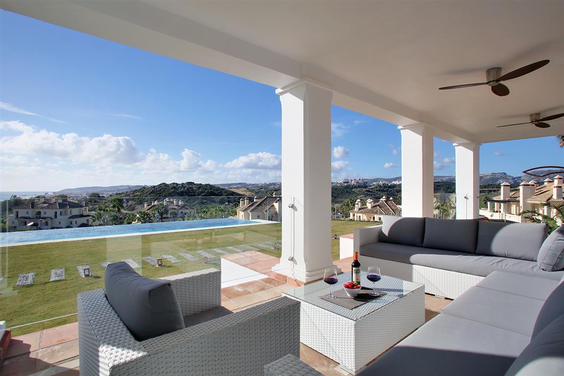 Villa for sale in Casares Playa, Casares