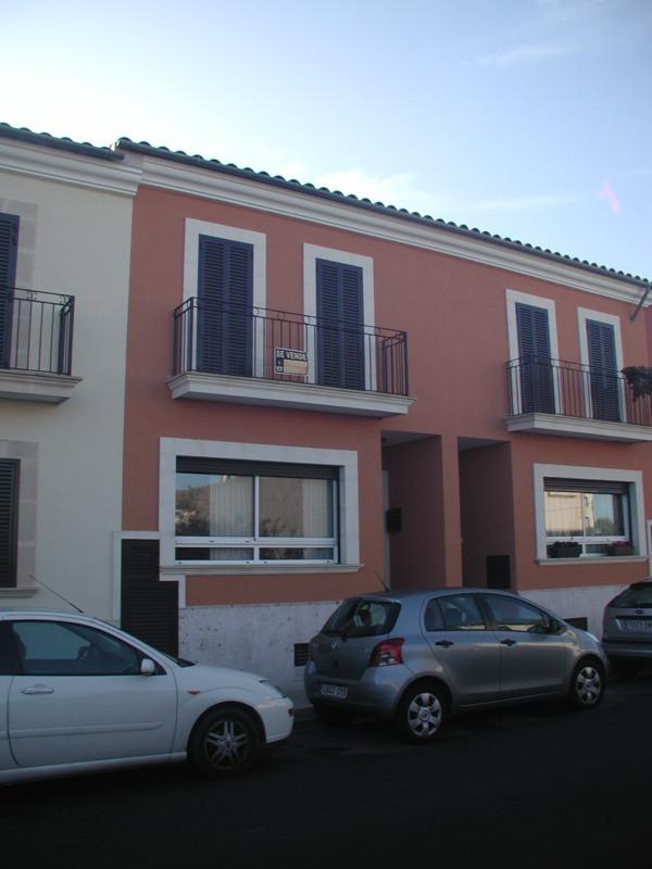 Terraced house in Algaida (2007)  4 bedrooms, 2 bathrooms (1 ensuite), guest toilet, garage for 2 ca,Spain