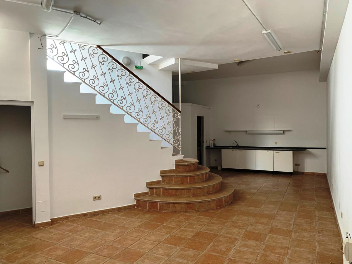 Shop, San Pedro de Alcantara, Costa del Sol. 2 Bedrooms, 1 Bathroom, Built 80 m².  Setting : Town, C,Spain