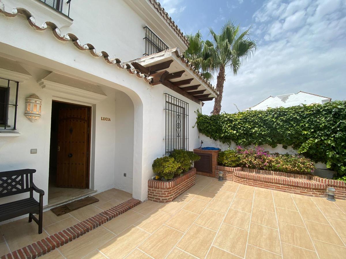 Semi-Detached House for sale in Cortijo Blanco R3682973