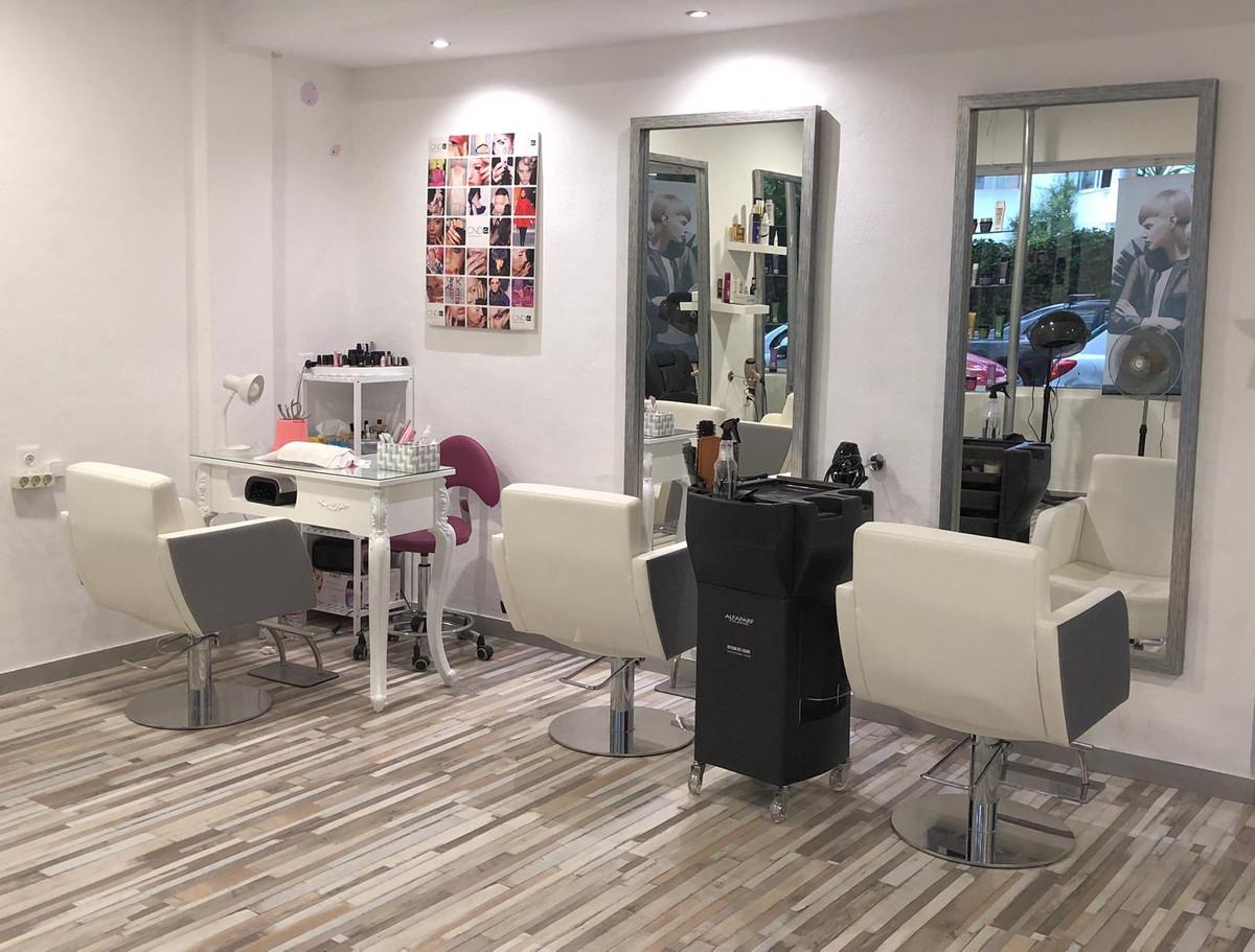 Hairdressers, Marbella, Costa del Sol. 1 Bedroom, 0 Bathrooms, Built 95 m².  Setting : Close To Shop,Spain