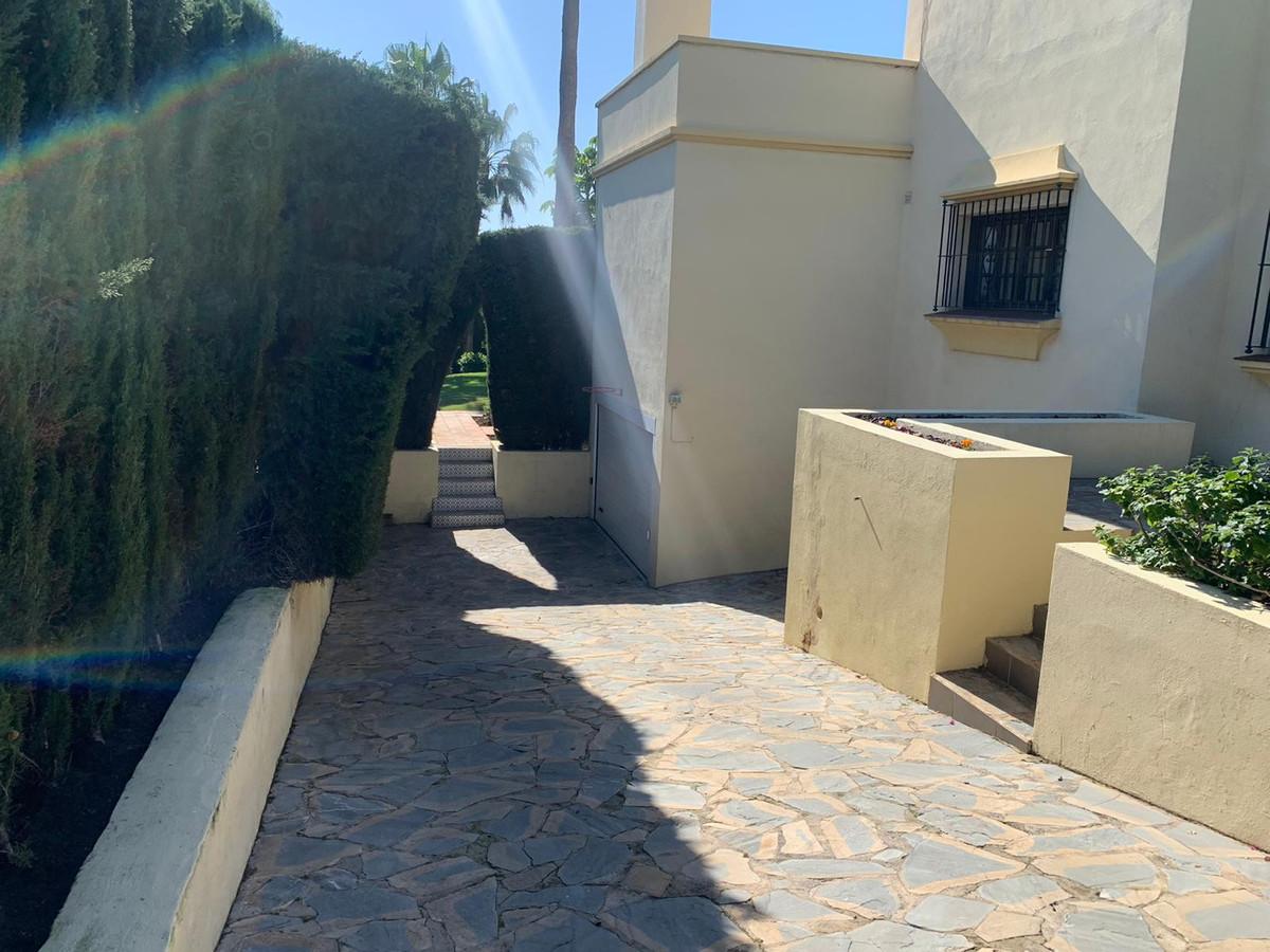 House in Atalaya R3606239 39