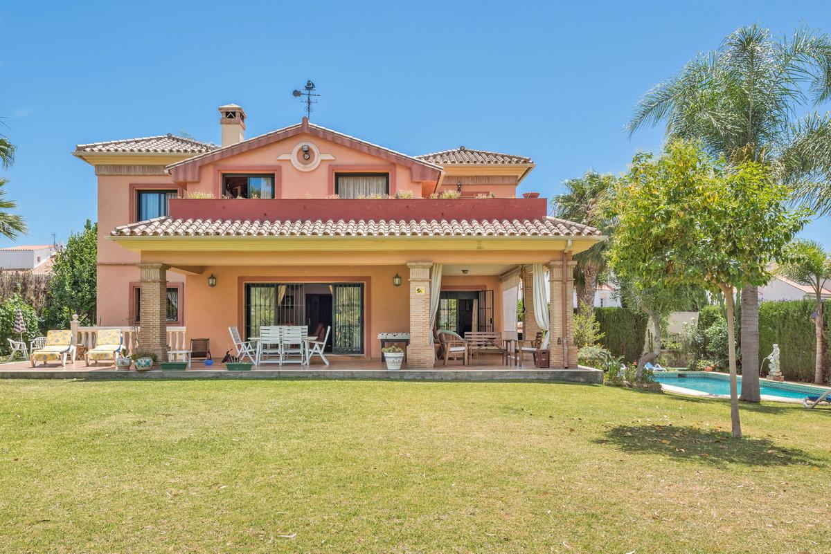 Villa  Detached for sale   in Atalaya