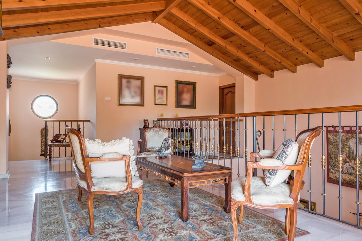 House in Atalaya R3608612 12