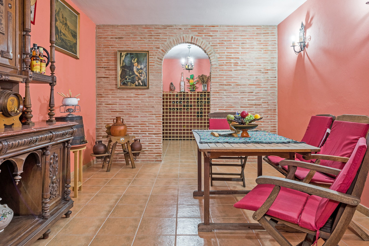 House in Atalaya R3608612 29