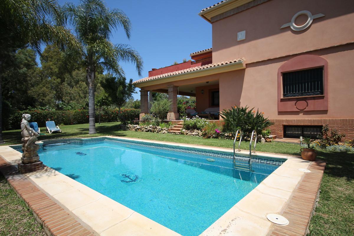House in Atalaya R3608612 32