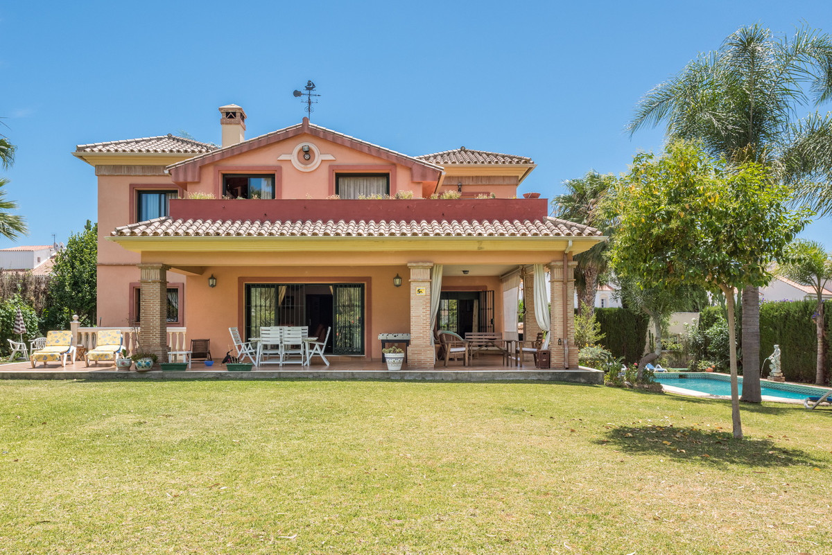 House in Atalaya R3608612 39