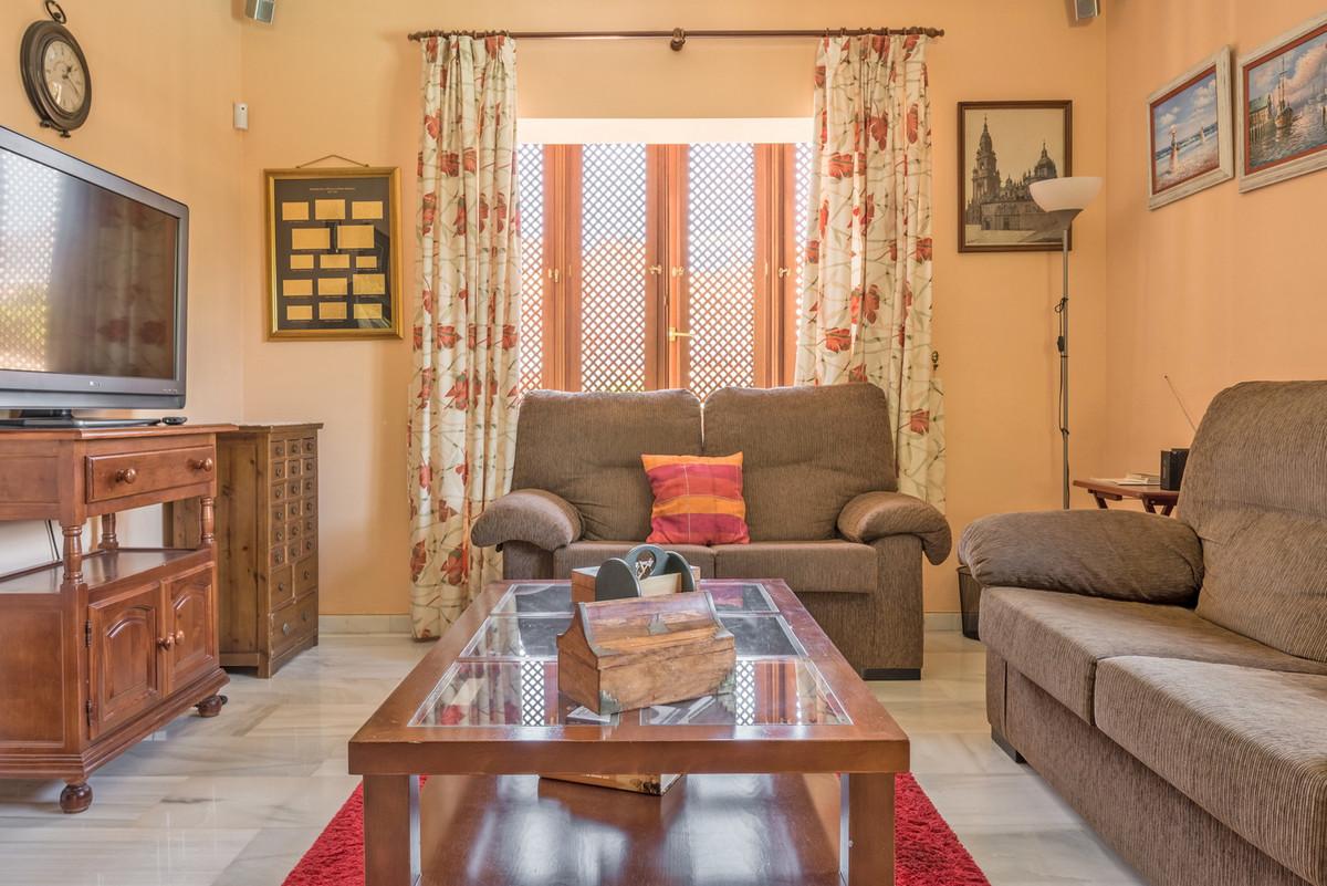 House in Atalaya R3608612 7